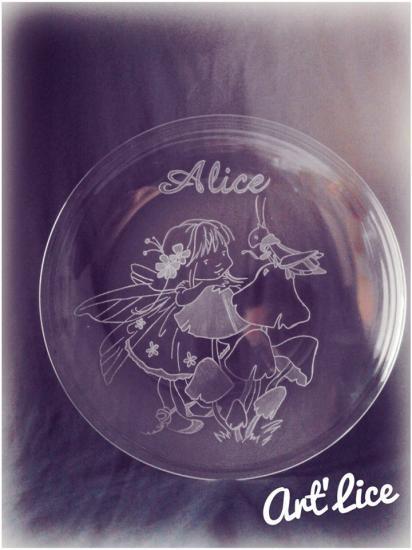 """assiette """"Fée Alice aux pays des Merveilles"""""""